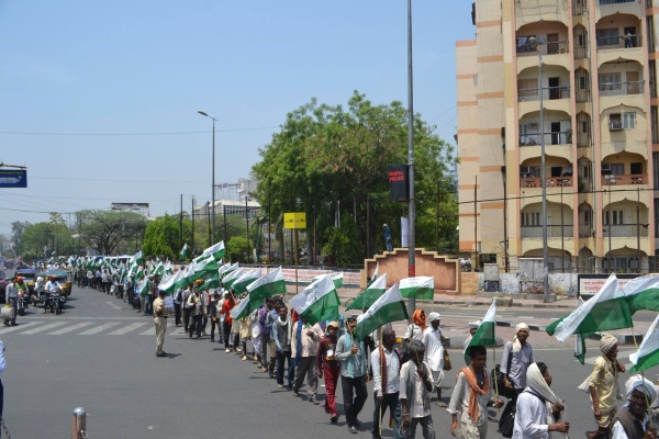 Demonstration während der Fastenaktion in Bhopal